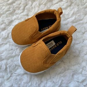 OLD NAVY | Slip-on shoes (3-6m)